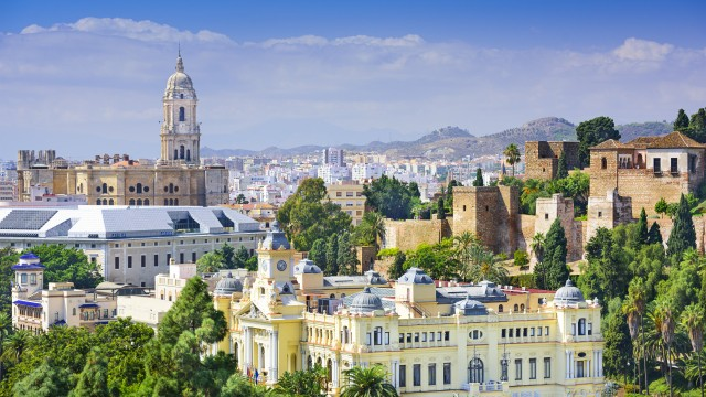 Levendige stad aan de Costa del Sol